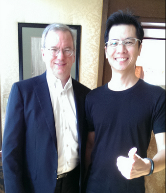 กับ Eric Schmidt Chairman of Google