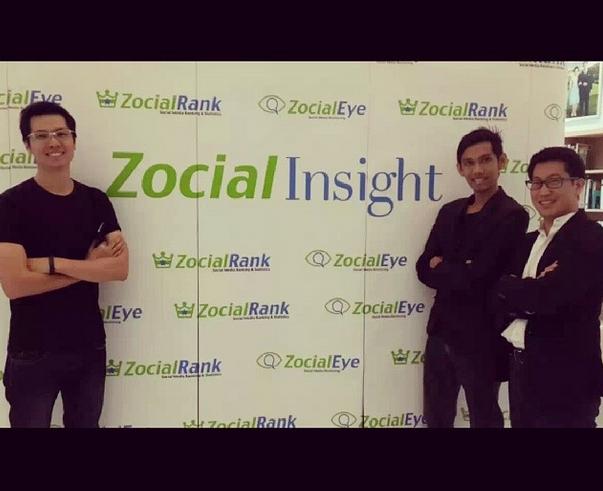 งานพูดบริษัทตัวเอง Zocial Insight เสื้อยืดปกติ